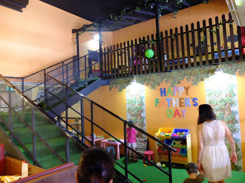 Spacious 2-storey play area chock-full of toys!
